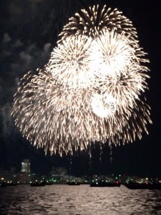 名古屋港で花火